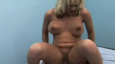 Sexy blonde cougar Sindy releases her juices as her tight peach gets drilled deep