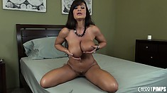 Lisa Annis all about the orgasm and squishing her huge melons