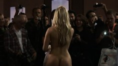 Busty Blonde Beauty Gets Her Pussy Licked And Fingered In Front Of An Audience
