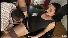 After some good head he goes down on his secretary and licks her slit