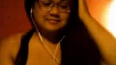 Cute chubby asian girl masturbates on webcam (no sound)