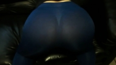 My Mature's ASS In Blue Leggings